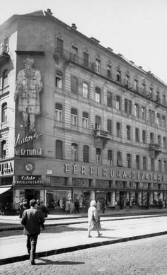 Old Pictures, Old Photos, Budapest Hungary, Historical Photos, Louvre, Street View, Building, Photography, Neon