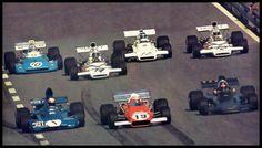 Pista austríaca. 1972. E aí? Alguém saberia dizer os nomes dos sete pilotos que aparecem na imagem?