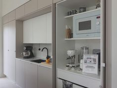 Kitchen Furniture, Kitchen Interior, Kitchen Design, Muji Home, Hidden Kitchen, Tiny Living, Kitchen Storage, Cool Kitchens, Modern Farmhouse