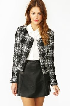 Parker Tweed Jacket, for those preppy days. can't imagine wearing this, but it's cute! Boucle Jacket, Tweed Jacket, Blazer Fashion, Fashion Outfits, Womens Fashion, Sixth Form Outfits, Coats For Women, Clothes For Women, Tweed Suits