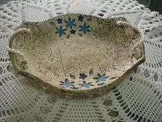 best ideas about Artesanías Hand Built Pottery, Slab Pottery, Ceramic Pottery, Ceramic Shop, Ceramic Tableware, Paper Clay, Clay Art, Ceramic Painting, Ceramic Art