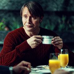 Hannibal - The hottest he's been all season <3