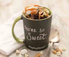 Chocolate & White Molten Lava Mug Cake Recipe │This microwave mug cake is so simple to make! Chocolate fudge cake topped with marshmellow créam, chopped pecans and white chocolate chips. Pear And Chocolate Cake, Chocolate Fudge Cake, Chocolate Butter, White Chocolate Chips, Pear Recipes, Cake Recipes, Tastefully Simple Recipes, Pasta Cake, Mug Cake Microwave