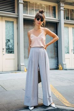 Street Style High Waisted Wide Leg Square Pants Outfit for Top Don't Buy A Down Comforter Until You Street Style Outfits, Mode Outfits, Fashion Outfits, Casual Outfits, Elegant Summer Outfits, Casual Dresses, Fashion Clothes, Look Fashion, Trendy Fashion