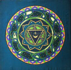 """La principal característica de los Mandalas es el círculo, que carece de principio y fin y cuyo centro constituye el eje inmóvil desde el cual el mundo gira...  las formas concéntricas sugieren la idea de perfección, y el perímetro de la circunferencia, el eterno retorno de los ciclos de la naturaleza (las estaciones del año... por eso los Mandalas también simbolizan la """"Rueda del tiempo"""". """"Los Chakras – Mandalas de energia"""" de Tat Estrada. Edit. mtm"""