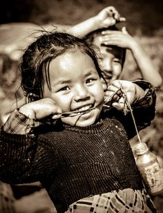 Children have the most beautiful smiles as they are pure in heart. This was taken at Sankhu, a village near by Kathmandu, Nepal. ~ Beautiful Smiles by Ravin Man Bajracharya on Kids Around The World, We Are The World, Smiling People, Happy People, Beautiful Smile, Beautiful Children, Kids Laughing, Joy Of Life, World Photography