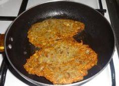 Biała kiełbasa z ćwiartek kurczaka. - przepis ze Smaker.pl Iron Pan, Cast Iron, Kitchen, Cooking, Home Kitchens, Kitchens, Cucina, Cuisine, Room Kitchen