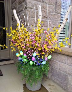 Enchanting Easter Outdoor Decoration Ideas To Refresh Your Everyday Spirit - Easter is just around the corner and obviously you all must be looking for some great Easter Ideas. Easter ideas for indoor and outdoor decorations ca. Easter Outside Decorations, Outdoor Decorations, Spring Decorations, Outdoor Entryway Decor, Easter Garden, Easter Flowers, Easter Wreaths, Porch Decorating, Easter Ideas
