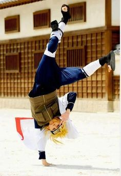 Minato cosplay (from Naruto) Minato would do this though, that is, if they had selfies and phones in Konoha