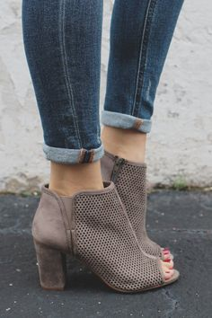 Casual Summer Shoes - Must Have Footwear Collection. - Sexy High Heels Women Shoes