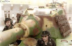 Budapest Panzersoldaten in Panzer VI (Tiger_II) | Flickr - Photo Sharing!