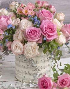 A beautiful spring floral arrangement.
