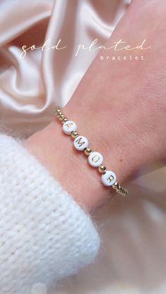 Diy Crafts Jewelry, Bracelet Crafts, Cute Jewelry, Jewelry Shop, Diy Beaded Bracelets, Gold Plated Bracelets, Beaded Jewelry, Handmade Accessories, Handmade Jewelry