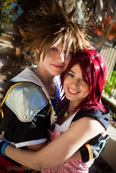 I finally got the opportunity to cosplay Kairi for real- after having the costume made since 2009 . Sora is still my favourite character from Kingdom . Kingdom Hearts- Sora and Kairi Kingdom Hearts Cosplay, Sora Kingdom Hearts, Amazing Cosplay, Best Cosplay, Sora And Kairi, It Goes On, Cosplay Costumes, Fangirl, Dreadlocks