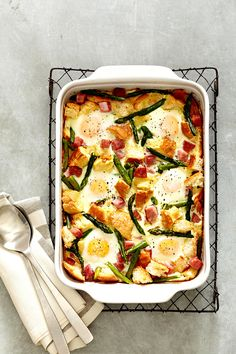 Ham, Asparagus, and Cheese Strata Strata Recipes, Egg Recipes, Casserole Recipes, Cooking Recipes, Breakfast Casserole Easy, Breakfast Dishes, Breakfast Lasagna, Breakfast Strata