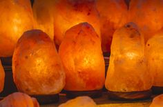 This Is How Salt Lamps Improve Mental Clarity, Air Quality And Sleep Cycles - SmileShare.me