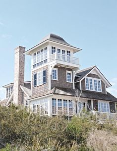 CHIC COASTAL LIVING:  Breezy Coastal Design  This looks just like a summer home at Elephant Rock Beach.