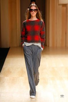 Mango Fall/Winter fashion brand Mango tapped top model Toni Garrn to open and close its fall-winter 2014 runway show which also happened to open… Toni Garrn, Fall Winter 2014, Autumn Winter Fashion, Summer 2015, Spring Summer, Fashion Brand, Fashion Show, Fashion Moda, Stylish Outfits