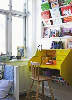 Desk in Danish children's bedroomj