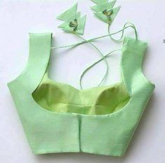 New Saree Blouse Designs, Saree Jacket Designs, Blouse Designs High Neck, Choli Designs, Fancy Blouse Designs, Blouse Styles, Blouse Lehenga, Saree Dress, Designer Blouse Patterns