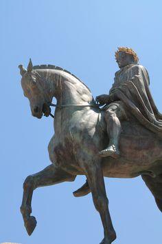 Statue de Napoléon face au Golfe d'Ajaccio.