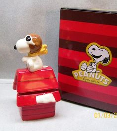 Peanuts Cartoon Snoopy Flying Ace on Dog House Salt Pepper Shakers WG | eBay