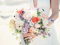 spring-inspired wedding bouquet | Photography: Tenth & Grace