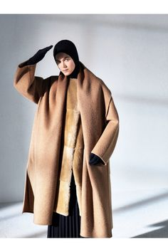 Max Mara Atelier  #VogueRussia #readytowear #rtw #fallwinter2018 #MaxMaraAtelier #VogueCollections