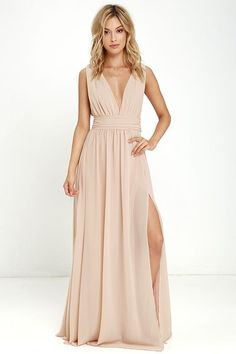 Youll be goddess-like for the entire evening in the Heavenly Hues Blush Maxi Dress! Georgette fabric drapes alongside a V-neck and back and lays across a banded waist. Full maxi skirt has a sexy side slit. Hidden back zipper with clasp. Affordable Bridesmaid Dresses, Bridesmaid Dresses Online, Cheap Prom Dresses, Wedding Dresses, Blush Dress Bridesmaid, Gown Wedding, Bridal Gown, Party Dresses, Formal Dresses