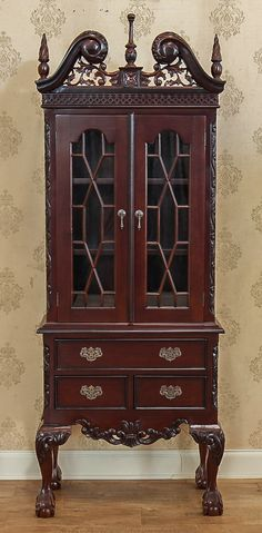 Vitrina stil Chippendale China Cabinet, Storage, Furniture, Home Decor, Cabinets, Purse Storage, Decoration Home, Chinese Cabinet, Room Decor