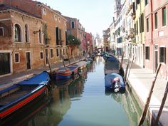 Venice in an autumn, sunny, not so crowdy day... is amazingly beautiful :)