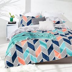 Add a splash of colour to your bedroom with our Ziggy reversible quilt cover set - King size $26