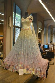 Tarun Tahiliani Couture: A sparkling Swarovski Crystals studded garment fit for a fairy tale Lehengas❤ Price- Indian Bridal Outfits, Indian Bridal Wear, Indian Gowns Dresses, Indian Fashion Dresses, Party Wear Dresses, Bridal Dresses, Sabyasachi Gown, Anarkali, Lehenga Saree