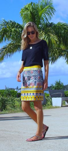 Off Duty Style: Mustard and Navy Printed Pencil Skirt