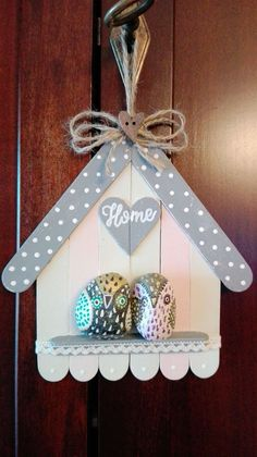 Lolly Stick Craft, Popsicle Stick Crafts House, Craft Stick Crafts, Crafts To Make, Stone Crafts, Rock Crafts, Arts And Crafts, Diy Crafts For Home Decor, Diy Crafts Hacks