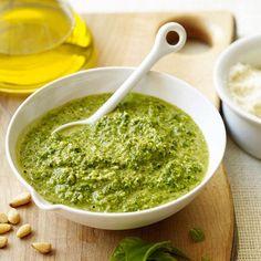 Pratik, lezzetli ve havalı bir makarna sosu. Kolaylıkla bulabileceeğiniz malzemelerle, sıradan bir makarnayı muhteşem bir İtalyan yemeğine dönüştürebilirsiniz. Afiyet olsun.