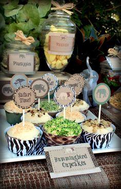 Hummingbird cupcakes at a African Safari Party #africansafari #partycupcakes