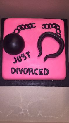 Divorce cake Divorce, Sunglasses Case, Cake, Divorce Party, New Trends, Kuchen, Torte, Cookies, Cheeseburger Paradise Pie