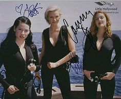 """Lucy Liu, Drew Barrymore and Cameron Diaz in """"Charlie's Angels"""": """"Do you know how hard it is to find a quality man in Los Angeles? Lucy Liu, Charlies Angels Costume, Charlies Angels Movie, Jaclyn Smith, Max Tv, Angel Movie, Angel Outfit, Angel Aesthetic, Elizabeth Banks"""