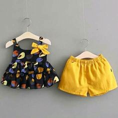 47 Ideas for baby girl clothes newborn dresses Baby Girl Dress Patterns, Baby Dress Design, Dresses Kids Girl, Kids Outfits, Baby Dresses, Baby Girl Fashion, Kids Fashion, Kids Frocks, Trendy Baby Clothes