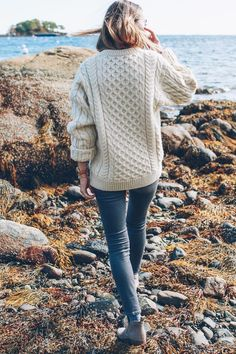 Thick knit sweater + skinny jeans.