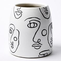 Exciting pottery inspiration - check out our articles for lots more schemes! Painted Plant Pots, Painted Flower Pots, Pottery Painting Designs, Paint Designs, Ceramic Painting, Ceramic Art, Metal Design, Keramik Vase, Design Blog