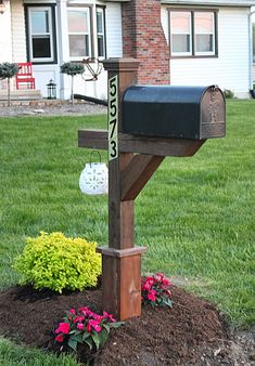 Maple Leaves & Sycamore Trees: A Mailbox Makeover Mailbox Garden, New Mailbox, Mailbox Post, Mailbox Ideas, Country Mailbox, Landscaping With Boulders, Mailbox Landscaping, Landscaping Ideas, Backyard Fences