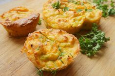 Nutrisystem+provides+a+quick+video+tutorial+explaining+how+to+make+delicious+Loaded+Omelet+Muffins.