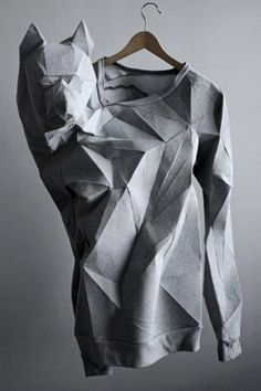"""vanished: """" The T-shirt Issue """" Taking wearable art to a whole new level, Berlin-based Mashallah Design & Linda Kostowski created this sweatshirt by scanning human bodies and using the data to. Image Fashion, 3d Fashion, Fashion Details, Ideias Fashion, Fashion Design, Origami Fashion, Mode Origami, Pull Gris, Image Mode"""