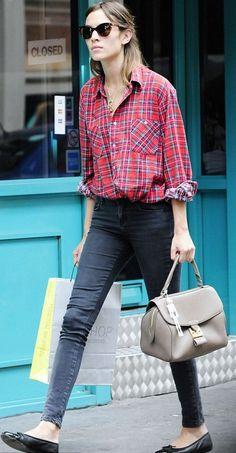 Gringe skirt & skinny jeans