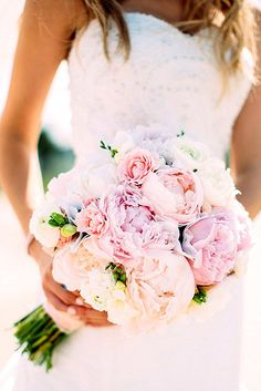spring little bridal bouquets 1