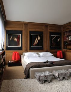 Piezas únicas / Masculine Interiors / Bachelor Pad / via Veronica Miller: Bedroom Red, Dream Bedroom, Home Bedroom, Bedroom Decor, Bedrooms, Luxury Homes Interior, Interior Design, Contemporary Bedroom, Dream Decor