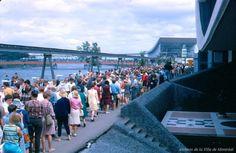 La foule à Expo 67, photo Gilbert Ouellet, 1967, P123_2P066 Expo 67 Montreal, Montreal Ville, World's Fair, Past, Dolores Park, The Incredibles, Photos, Travel, Collection