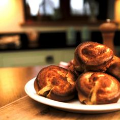 Easy Yorkshire Pudding Recipe, How To Make Yorkshire Pudding, Christmas Sandwiches, Deli Counter, Grocery Deals, Roasting Tins, Pancakes Easy